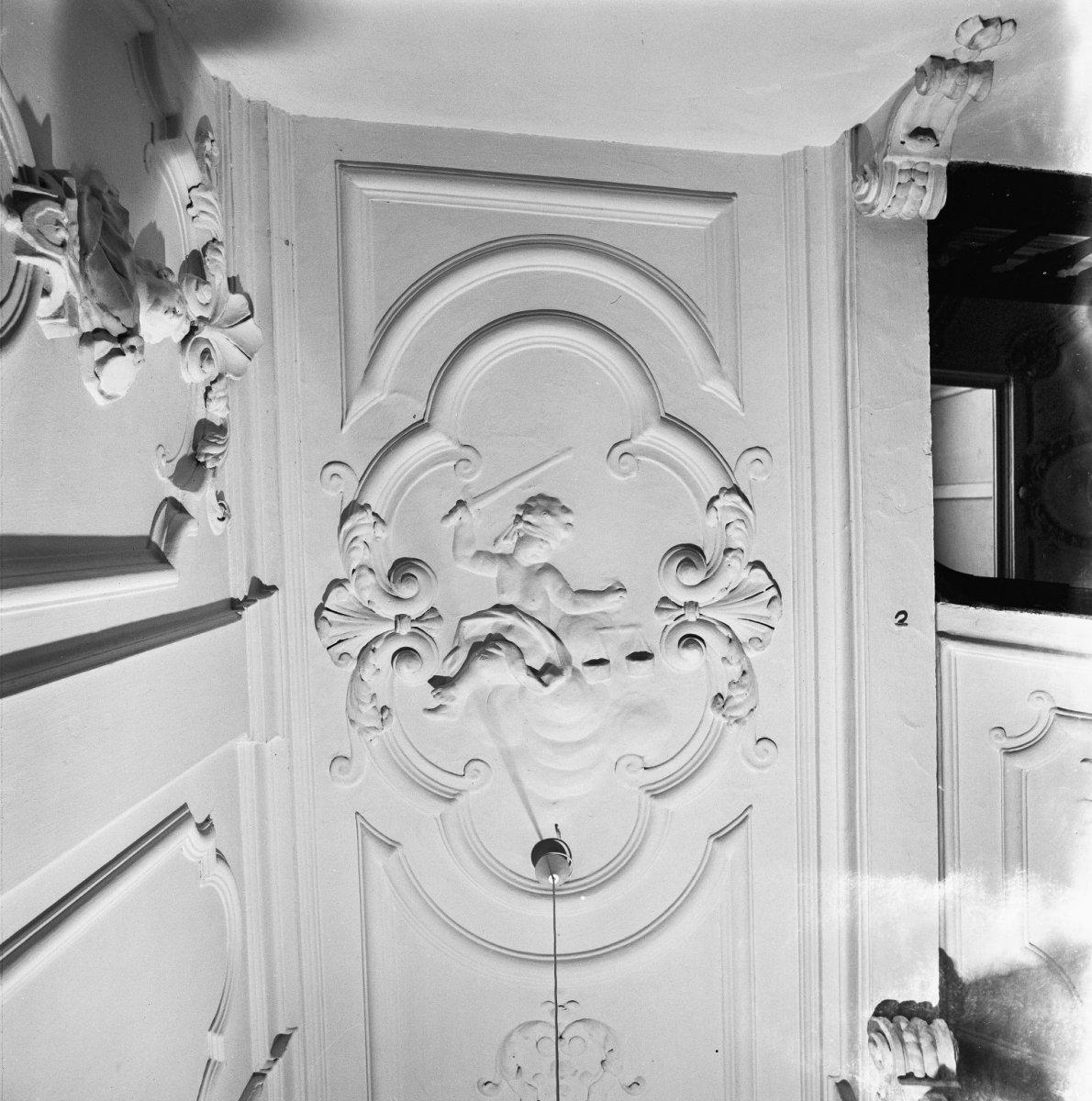 Huis met lijstgevel rijke lodewijk xiv decoratie rond het for Decoratie gang