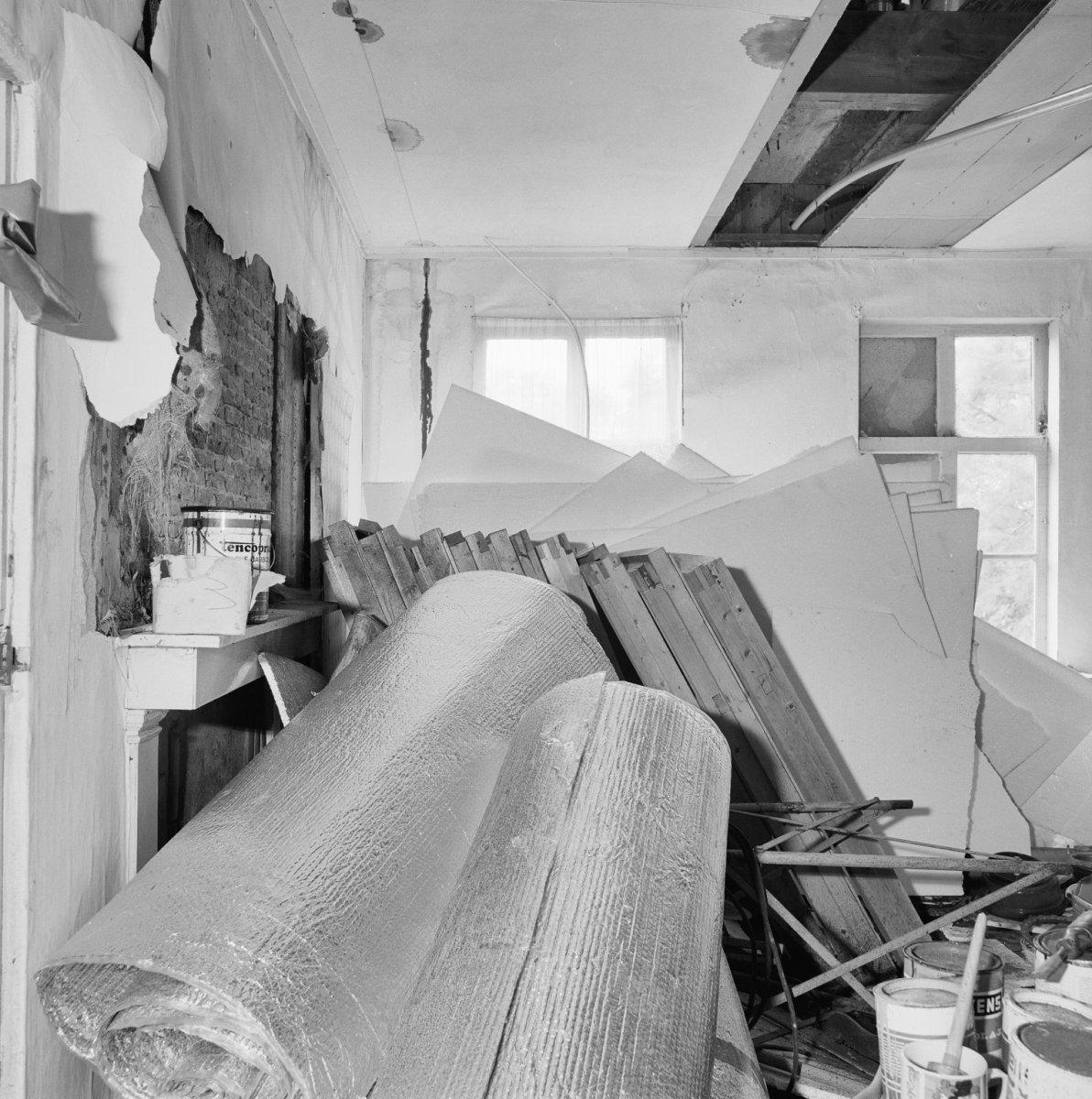 Houten huis met puntgevel in krommenie monument - Huis ingang ...