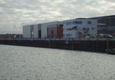 Nieuw kantoor en werkplaats bij de nieuwe kade van Scheepswerf...