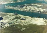 Luchtfoto van een gedeelte van de Van Cittershaven en de Quarleshaven...