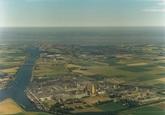 Luchtfoto fabriek Nederlandse Stikstof Maatschappij te Sluiskil.