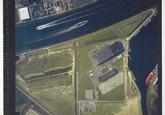 Verticale luchtfoto havengebied Terneuzen. Punt van de Axelse Vlakte....