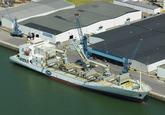 Schip Star Service 1 van Chiquita aan de kade van de Bijleveldhaven...
