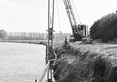 Nieuwe damwand zijkanaal C, Axelse Sassing.