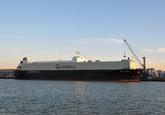 Zeeschip Swift Arrow aan de Sloekade bij Verbrugge Terminals.