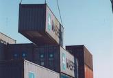 Overslag van containers in de haven van Terneuzen. Foto gemaakt ten...