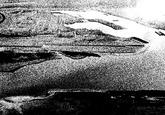 Linksboven, terrein Pechiney I met verbrede Van Cittershaven en...