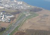 Luchtfoto van de Westelijke kanaaloever. Toekomstig terrein...