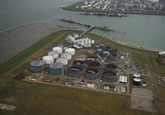 Bouwen van nieuwe opslagtanks bij Oiltanking Terneuzen op de...