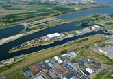 Sluizencomplex Terneuzen is de verbinding tussen Westerschelde en...