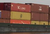 Binnenvaartschip Alcedo met containers op het kanaal bij de...