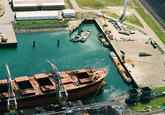 Luchtfoto kopkade in de Kaloothaven.