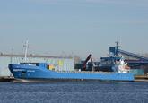 Zeeschip sprinter aan de kade bij Verbrugge in de Zevenaarhaven.