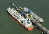 Twee tankers liggen aan het Oceandock bij Dow Chemical in de...