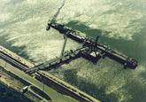 Luchtfoto van het steiger in de Quarleshaven ten behoeve van Eurogas...