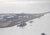 Luchtfoto Sloesteigers aan de oostzijde van de Sloehaven.