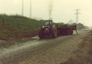 Kapot gereden bermen Westerhavenweg.