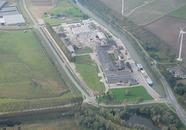 Bedrijventerrein aan de Axelse Sassing bij Zijkanaal C.