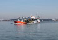 Baggerschip Pieter Hubert van Van der Kamp in de haven van...