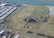 Luchtfoto Vlissingen-Oost van het voormalig FMT-terrein aan de...