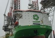 Werkschip Innovation in de haven van Vlissingen.