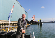 Burgemeester van Borsele, Jaap Gelok neemt de Calamiteitensteiger van...