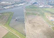 Baggerwerkzaamheden in de verlengde Autrichehaven op de Axelse Vlakte.