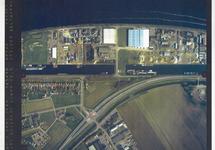 Verticale luchtfoto havengebied Terneuzen. Zijkanalen B en E en...