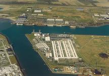 Luchtfoto van een gedeelte van de Van Cittershaven en Quarleshaven te...