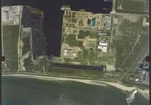 Verticale luchtfoto van de Kaloothaven en een gedeelte van de Van...