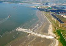 Luchtfoto Kalootstrand bij laag water te Vlissingen-Oost.