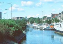 Oostkade te Sas van Gent met op de achtergrond de Suiker Unie.