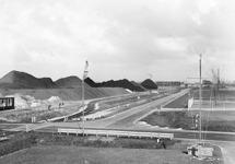 Engelandweg met terminal van Ovet aan de Massagoedhaven. Foto genomen...