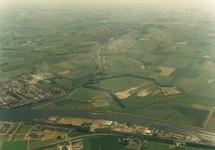 Luchtfoto Axelse Vlakte met Zijkanaal C. Op de voorgrond het...