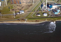 Luchtfoto van een gedeelte van het Kalootstrand te Vlissingen-Oost bij...