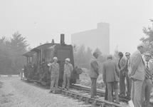 Locomotief op het spoor aan de Frankrijkweg bij de Zevenaarhaven.