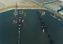Bouwrijp maken terreinen en aanleg steiger voor Cobelfret aan de...