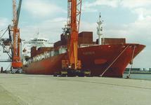 Zeeschip Tapiola aan de Sloekade bij de N.V. Haven van Vlissingen