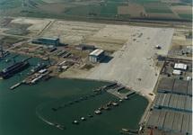 Bouwrijp maken terreinen en aanleggen steigers voor Cobelfret aan de...