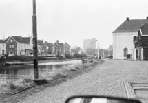 Zijkanaal H te Sas van Gent. Zicht op de Westkade. Op de achtergrond...