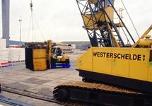 Kraan Westerschelde BV in de haven van Vlissingen-Oost.