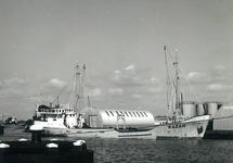 Coaster in de haven van Terneuzen. Exacte locatie in het havengebied...