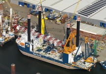 Werkschip Aeolus van Van Oord in de Westhofhaven.