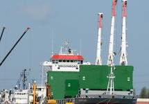 Zeeschip Avonborg van rederij Wagenborg aan de kade in de haven van...