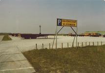 Parkeerterrein voor vrachtwagens aan de Engelandweg.