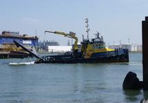Ploegboot van Hebo Maritiem Service bij Damen Shipyard.