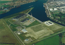 Luchtfoto bouwrijp maken gedeelte Axelse Vlakte nabij Outokumpu en...