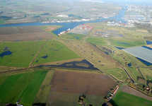 Groene Knoop, glastuinbouwcomplex en Autrichehaven.
