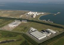 Luchtfoto Valuepark Terneuzen met vestigingen van Katoennatie, VSL en...