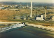 Luchtfoto van de kolencentrale van de N.V. Elektriciteits-...